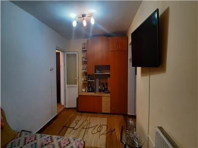 Apartament 2 camere, etaj 2, Cetate