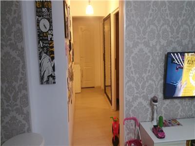 Apartament 3 camere, Zona Centru