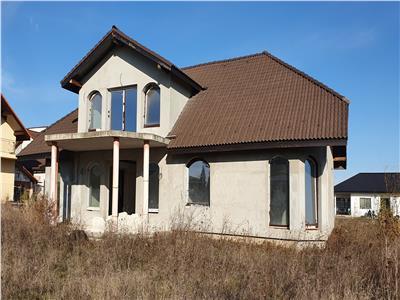 Casa 5 camere, semifinisata, 650 mp teren, zona Lidl