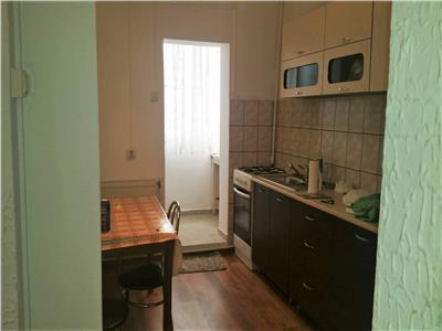 Apartament 3 camere, decomandat, Cetate, Etaj 1,