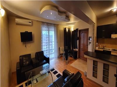Apartament 5 camere, 3 bai, 2 balcoane, zona Rompetrol - Gara