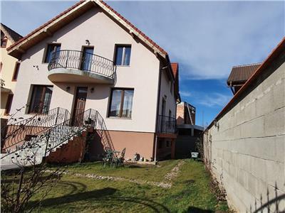 Casa 5 camere, 2 bucatarii, garaj, 400 mp teren, Alba-Micesti