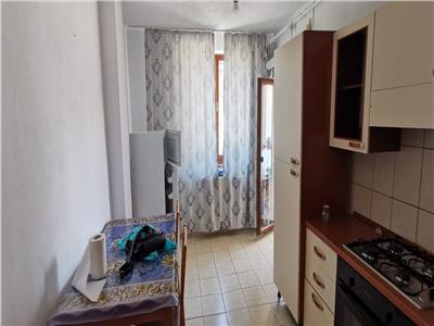 Apartament 3 camere, nemobilat, et.1 80 mp utili