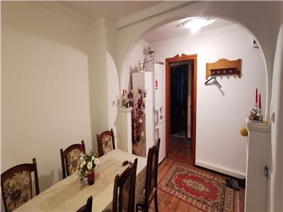 Apartament 3 camere, etaj 1,  80 mp