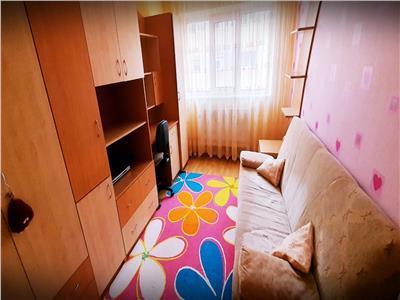 Apartament  2 camere decomandat Ampoi