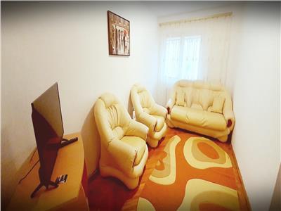 Apartament 3 camere semidecomandat Cetate pretabil pentru familie