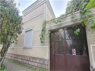 Casa 4 camere, ULTRACENTRALA, pretabila locuinta sau birouri