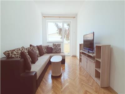 Apartament 4 camere semidecomandat de inchiriat zona Cetate