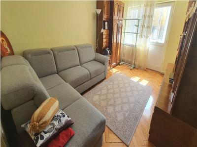 Apartament 4 camere decomandat Cetate cu beci