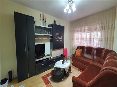 Apartament 3 camere decomandat cu Garaj