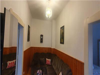 Casa 3 camere, anexe, garaj, 1000mp teren, Centru