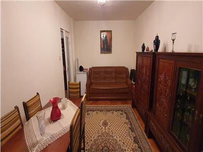 Apartament 3 camere decomandat  Cetate cu beci