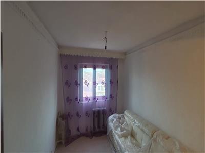Apartament 3 camere decomandat , et. 3 .Merita Vazut !