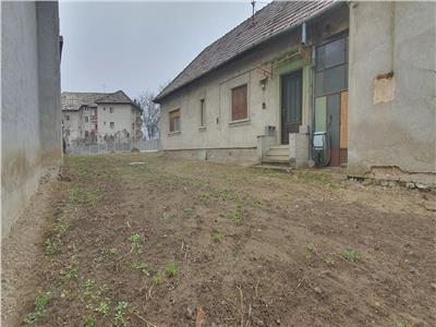 Casa zona Utracentrala , multiple posibilitati de utilizare .