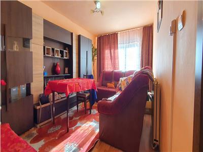 Apartament 3 camere decomandat cu imbunatatiri .