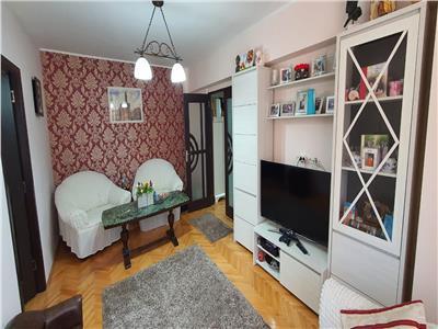 Apartament 4 camere, et. 2+Garaj, Centru