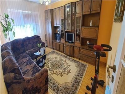 Apartament 3 camere, decomandat, 64 mp