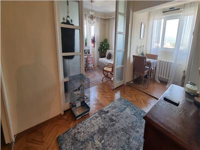 Apartament 3 camere zona Centru