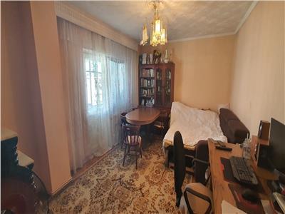 Apartament 2 camere, 65mp,  decomandat Cetate