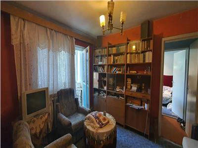 Apartament 3 camere 75mp, et.3  Cetate