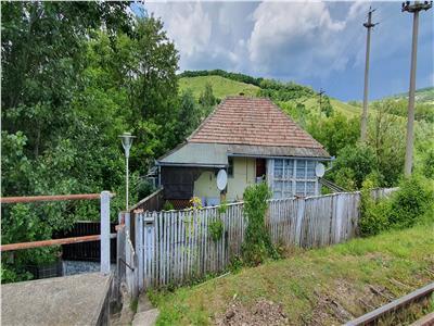 Casa in Valeni, Metes