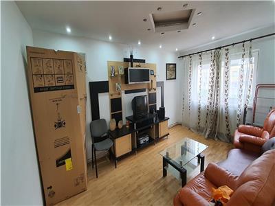 Apartament 4 camere decomandat 85 mp Cetate