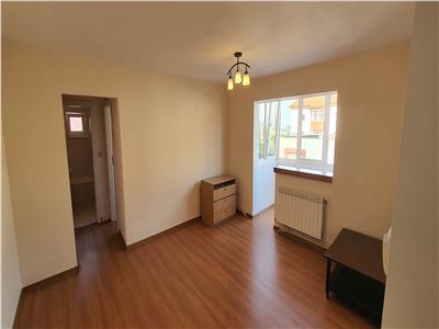 Apartament 3 camere, et 3, Cetate