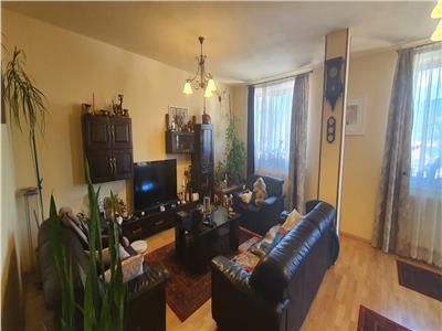 Apartament 3 camere decomandat 120 mp Cetate