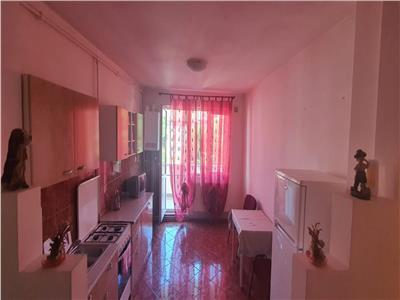 Apartament 2 camere decomandat , 63 mp , etaj intermediar.