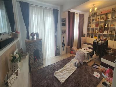 Apartament 3 camere decomandat 84 mp